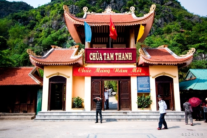 new-starlight-travel-0225-chua-tam-thanh